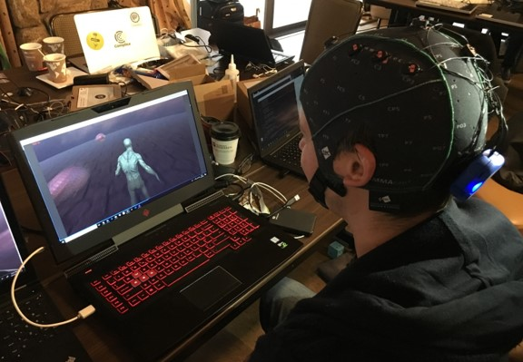 Person controlling a video game using his brain activity only
